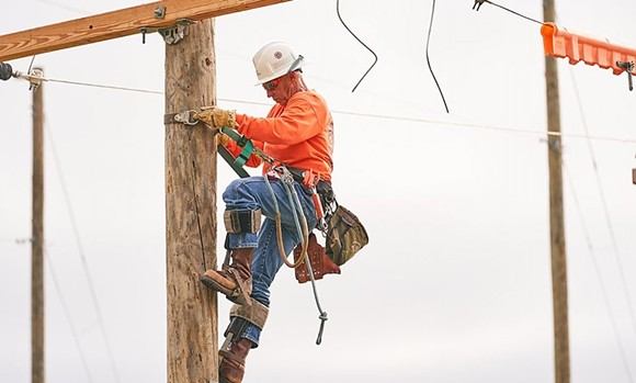 PHOTO OF LINEMAN DAVID PHILLIPS VIA DUKE ENERGY/TWITTER