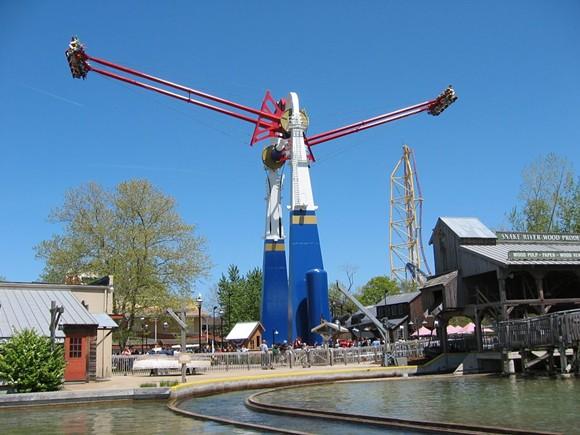 A Screamin' Swing at Cedar Point in Ohio - IMAGE VIA S&S WORLDWIDE - SANSEI