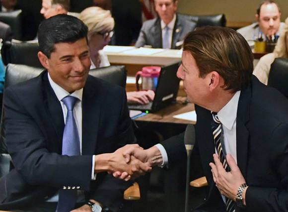 Florida House Speaker José R. Oliva shakes hands with Senate President Bill Galvano - PHOTO VIA FLORIDA HOUSE OF REPRESENTATIVES