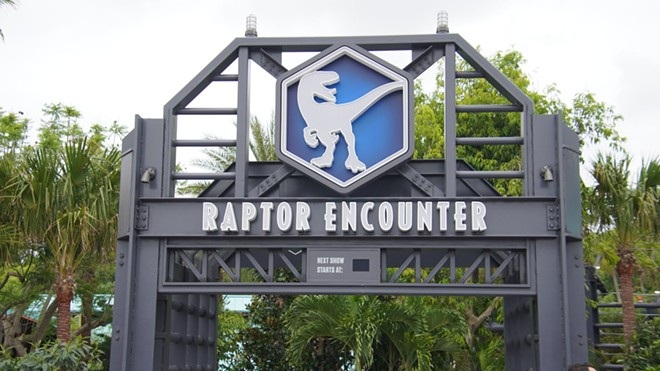 The new Raptor Encounter with the Jurassic World style signage - IMAGE VIA BIORECONSTRUCT   TWITTER