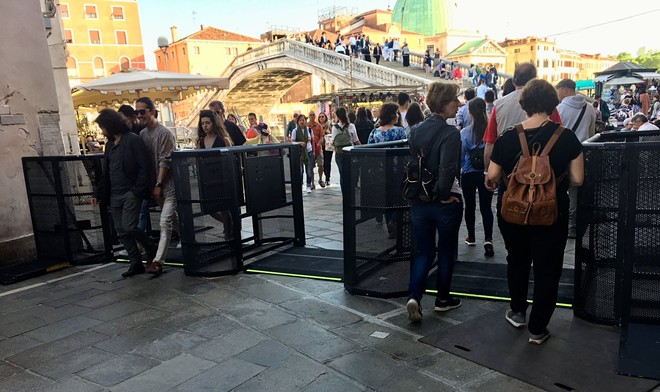 Gates installed in Venice, Italy in response to overtourism - IMAGE VIA LUISELLA_ROMEO   TWITTER