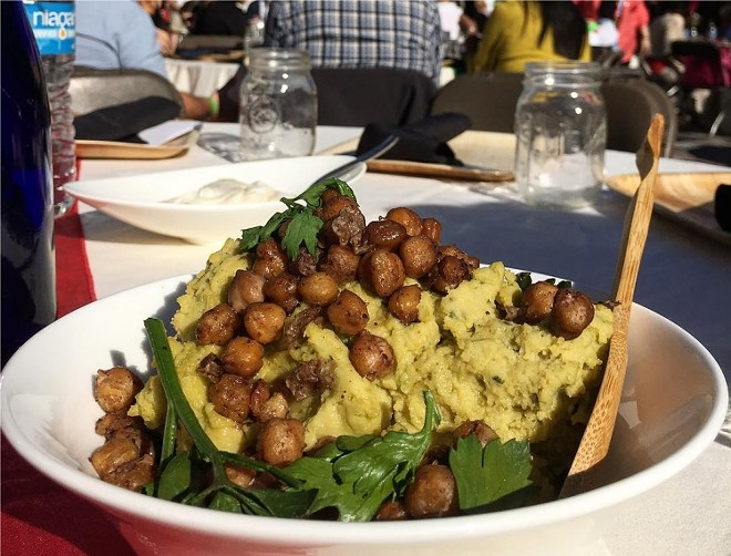 Split pea and cici hummus (Syria)