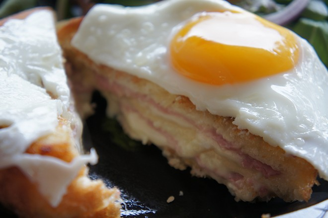 Croque-madame, Croissant Gourmet - PHOTO BY RICKY LY
