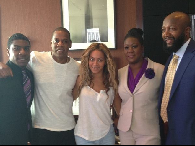 JAY-Z, BEYONCE AND THE MARTIN FAMILY    PHOTO BY DEF PEN/FACEBOOK