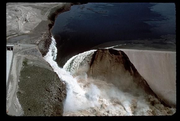 CATASTROPHIC FAILURE OF THE TETON DAM/IMAGE VIA WIKIMEDIA COMMONS
