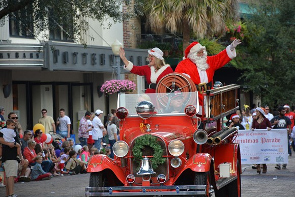 CHRISTMAS PARADE 2015 / PHOTO VIA CITY OF WINTER PARK