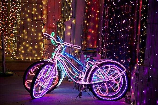 gal_holiday_lights_bike_ride_shutterstock_92427349.jpg