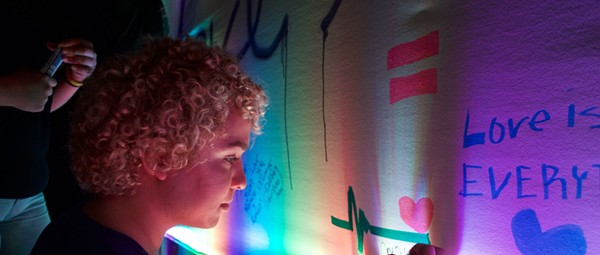 Pulse memorial ceremony draws hundreds inside club's gates