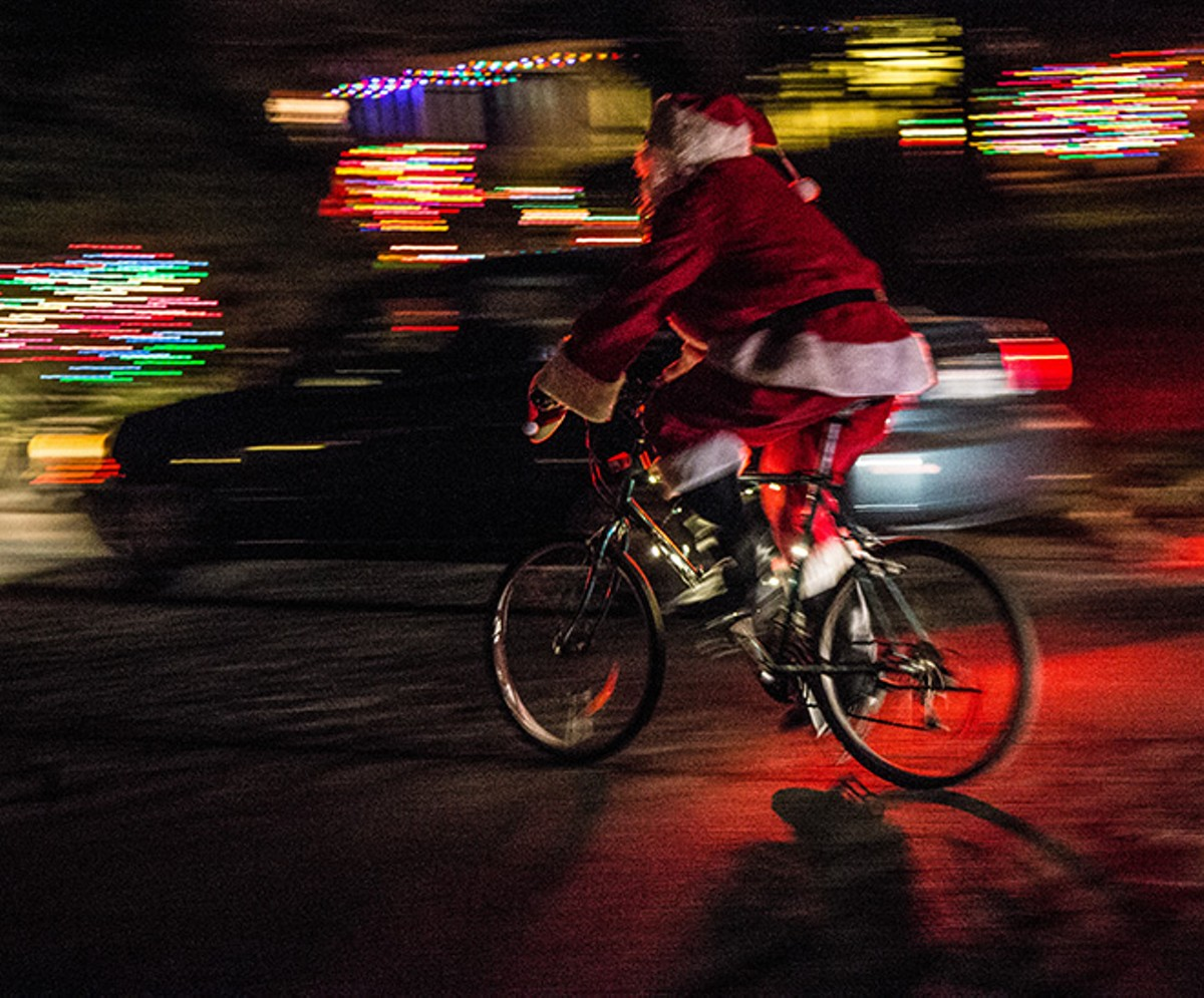 gallery_holiday_lights_ride_credit_robert_couse-baker.jpg