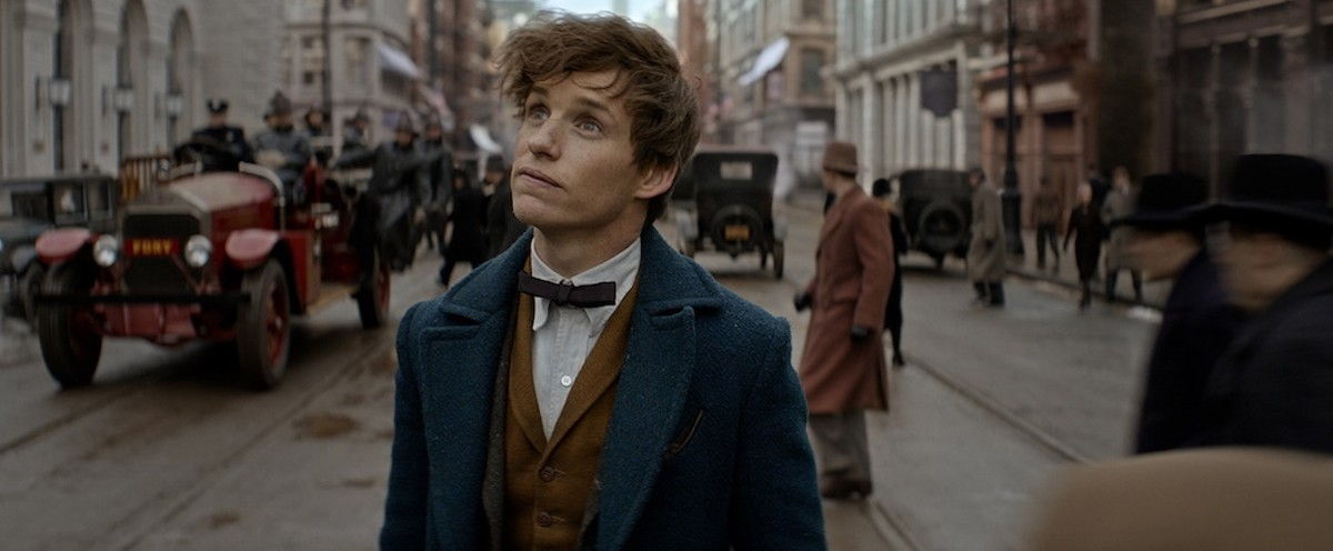 Eddie Redmayne looks as confused as viewers may feel in 'Fantastic Beasts'