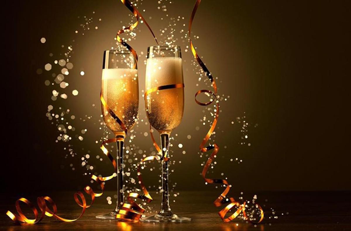 gal_bartenders_new_years_eve.jpg