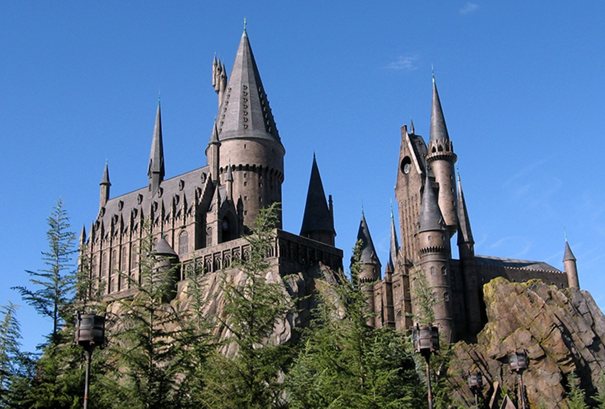 gal_wizarding_world_of_harry_potter_castle.jpg