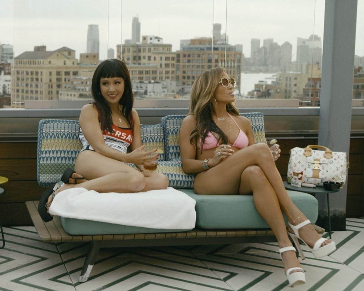 Constance Wu and Jennifer Lopez in 'Hustlers'