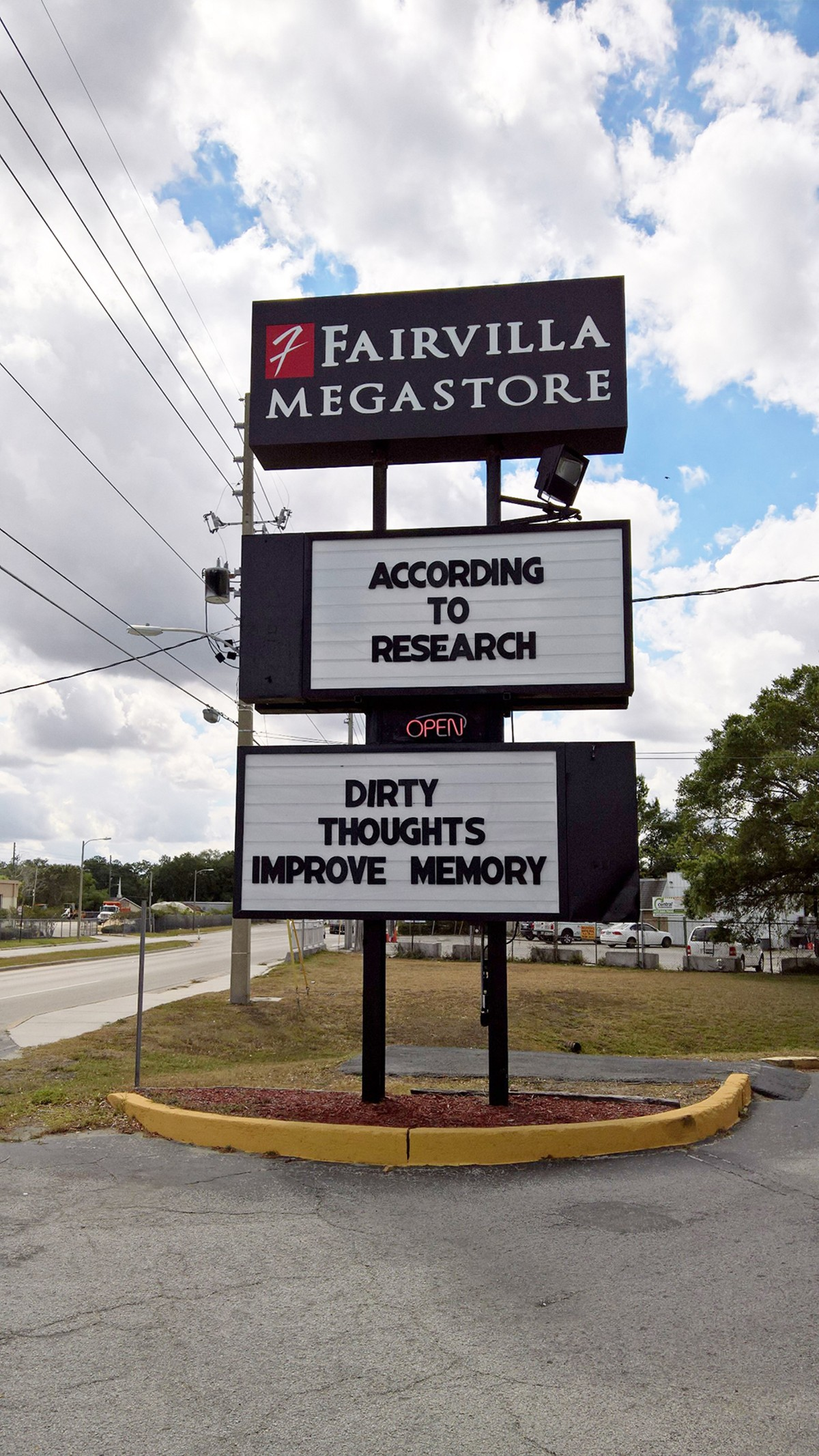 fairvilla_sign_.jpg