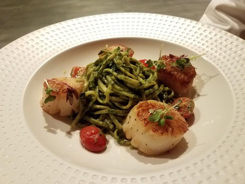 SottoTerra: Linguine, Genoa basil pesto, scallops