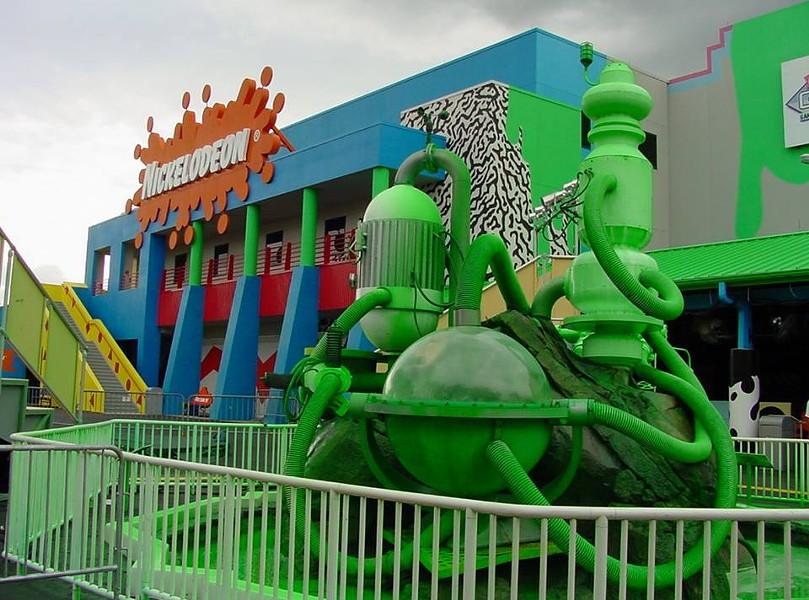 The slime geyser and the Nickelodeon Studios at Universal Studios Florida - IMAGE VIA RE-OPENING NICK STUDIOS | FACEBOOK
