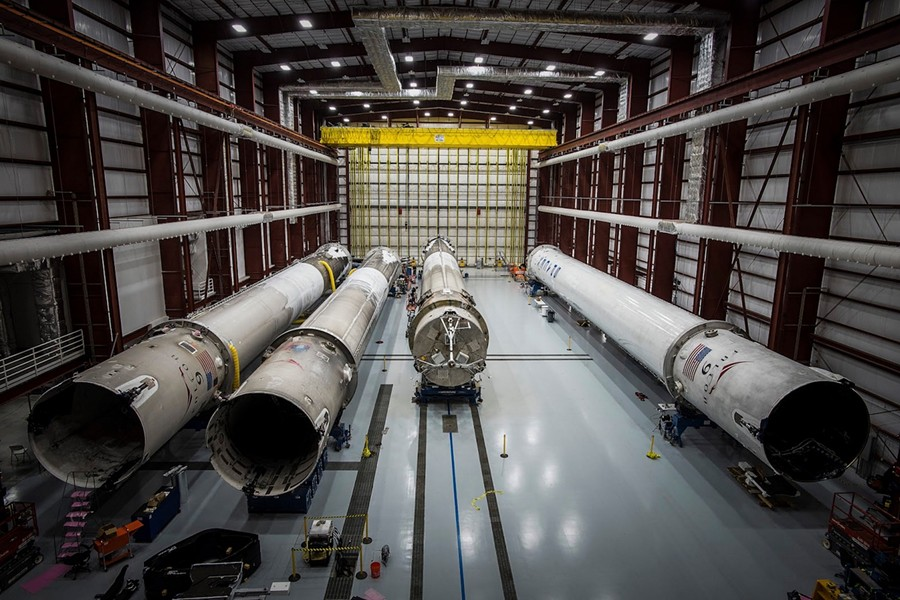 Landed SpaceX rockets lie in hanger 39A, Cape Canaveral, Florida. - PHOTO SOURCE: SPACEX FLICKR