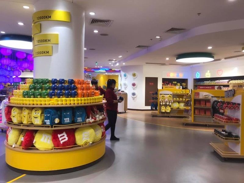 A look at the sleek design of the new M&M World concept in Shanghai - IMAGE VIA BIW MEE KUMA KISS/FACEBOOK