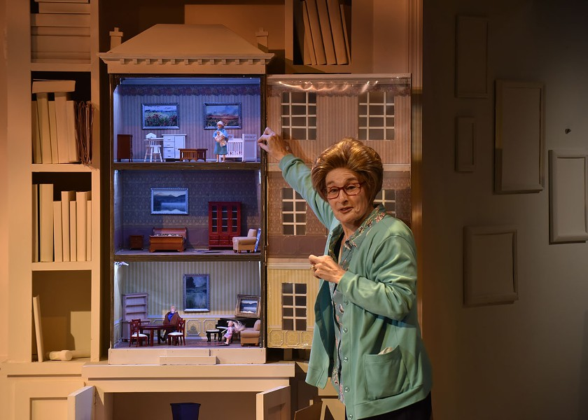 Eileen DeSandre as Ruth Westheimer in 'Becoming Dr. Ruth' at the Orlando Shakes - PHOTO BY TONY FIRRIOLO