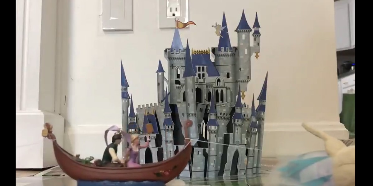 Lindsay Brightman re-creates the Festival of Fantasy parade at home. - IMAGE VIA @DAME_CHAMPAGNE / TWITTER