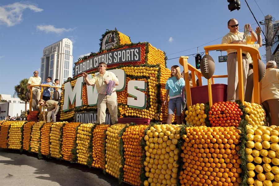 sel_citrus_parade.jpg