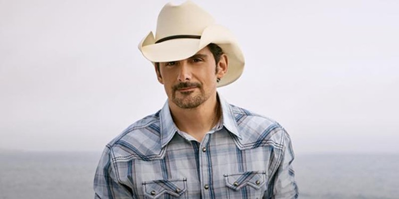 Country star Brad Paisley to play Tampa this summer