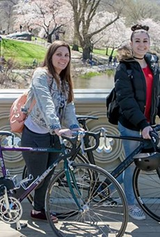 Cycle for SCI's Ciara O'Sullivan and Larissa Clifford