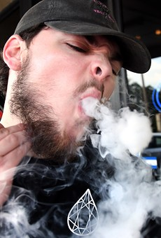 Florida lawmakers begin moving forward with ban on indoor workplace vaping
