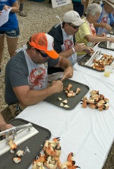 Florida man eats 25 crab claws in 14 minutes, shatters records