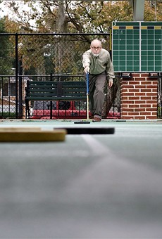 Shuffleboard makes a comeback in Orlando