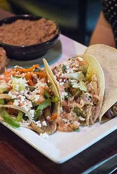 What's going on inside Verde Cantina's kitchen? No sé