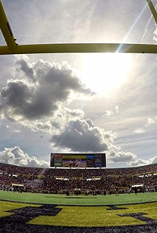 LSU takes on Louisville at Camping World Stadium for the Buffalo Wild Wings Citrus Bowl