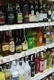 New bill would allow Floridians to purchase food and liquor in one place