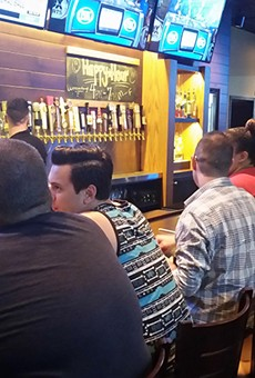 New Waterford Lakes outpost of the Brass Tap chain appeals to fans of now-closed Underground Bluz