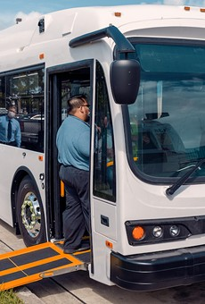 First fully electric Lynx bus comes to downtown Orlando
