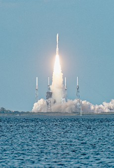 Video shows Atlas V rocket launch in Florida from the point of view of a commercial airplane