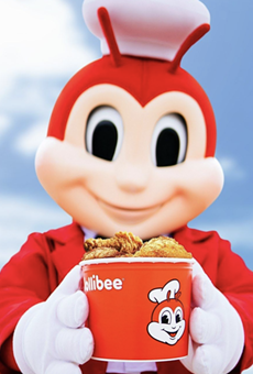 Jollibee,  the Filipino-fast food joint will open its first location in Orlando and fans are keeping an eye on it.