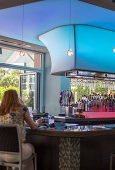 Harry's Poolside Bar & Grill