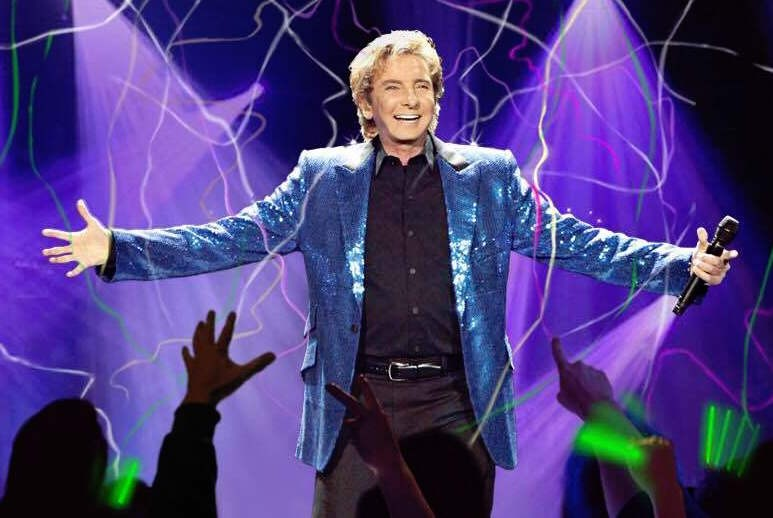 PHOTO VIA BARRY MANILOW/FACEBOOK