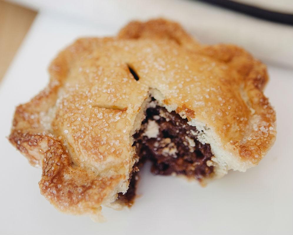 Salted Caramel Dark Chocolate Pecan Pie/Se7enbites - PHOTO BY HANNAH GLOGOWER