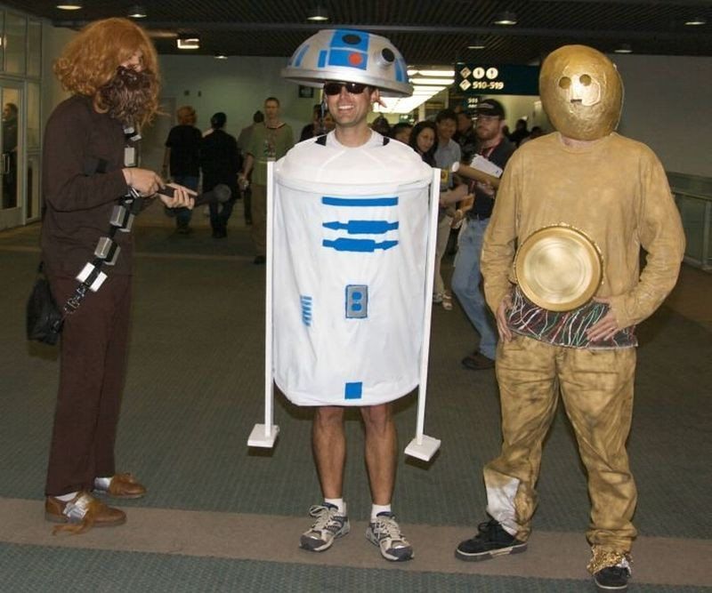 wear a costume to one man star wars this weekend get 2 for 1 tix