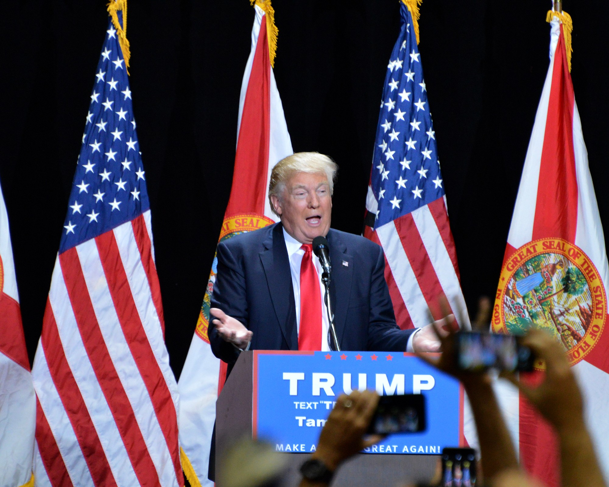 Donald Trump calls for GOP unity at Tampa rally while ...