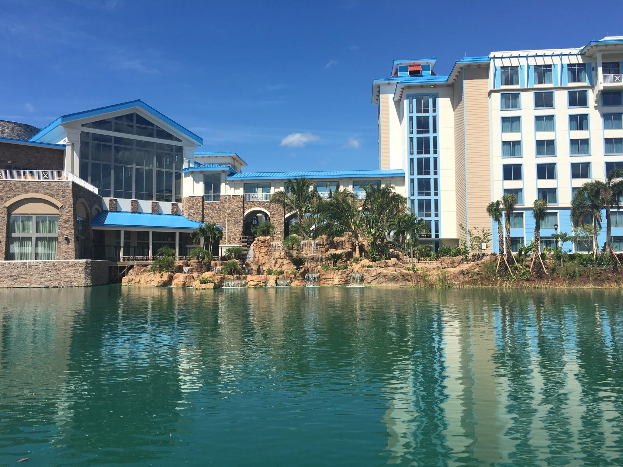 Universal Orlando S New Loews Sapphire Falls Resort Is Now