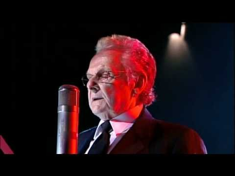 Ralph Stanley - IMAGE VIA YOUTUBE