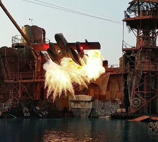 The WaterWorld water-based stunt show at Universal Studios Hollywood - IMAGE VIA MARKYDARK00 | INSTAGRAM