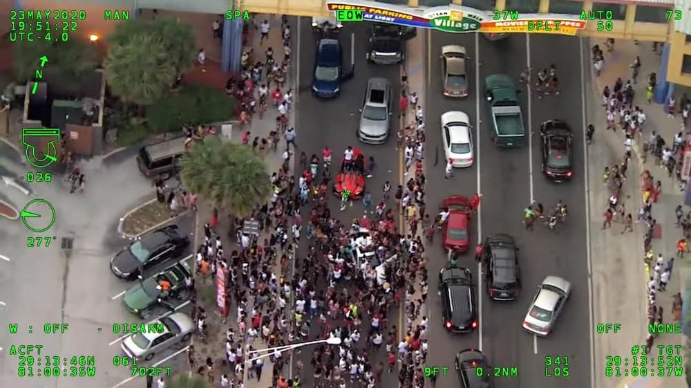 Crowds on Florida A1A in Daytona - SCREENSHOT VIA VOLUSIA COUNTY SHERIFF/TWITTER