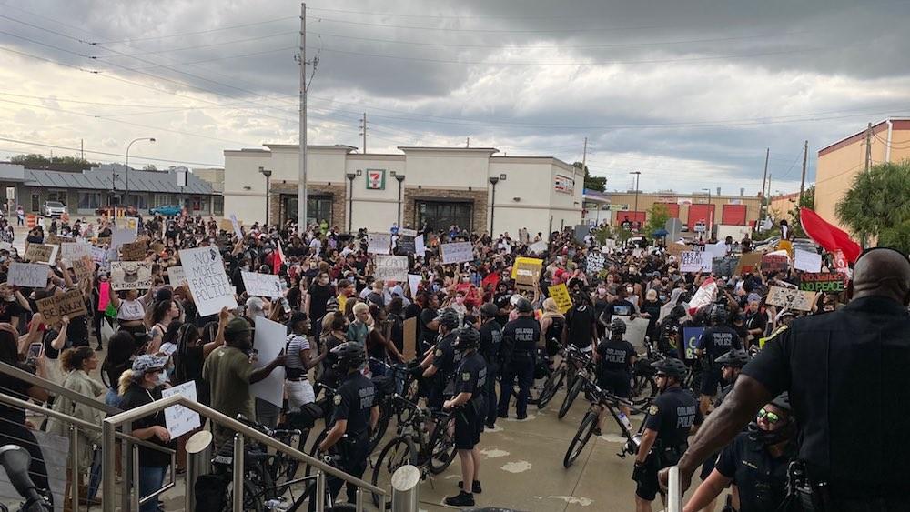 Protesters in Orlando on Saturday - PHOTO VIA CHIEF ORLANDO ROLÓN/TWITTER