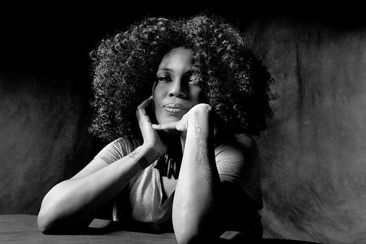 gal_macy_gray_press_shot.jpg