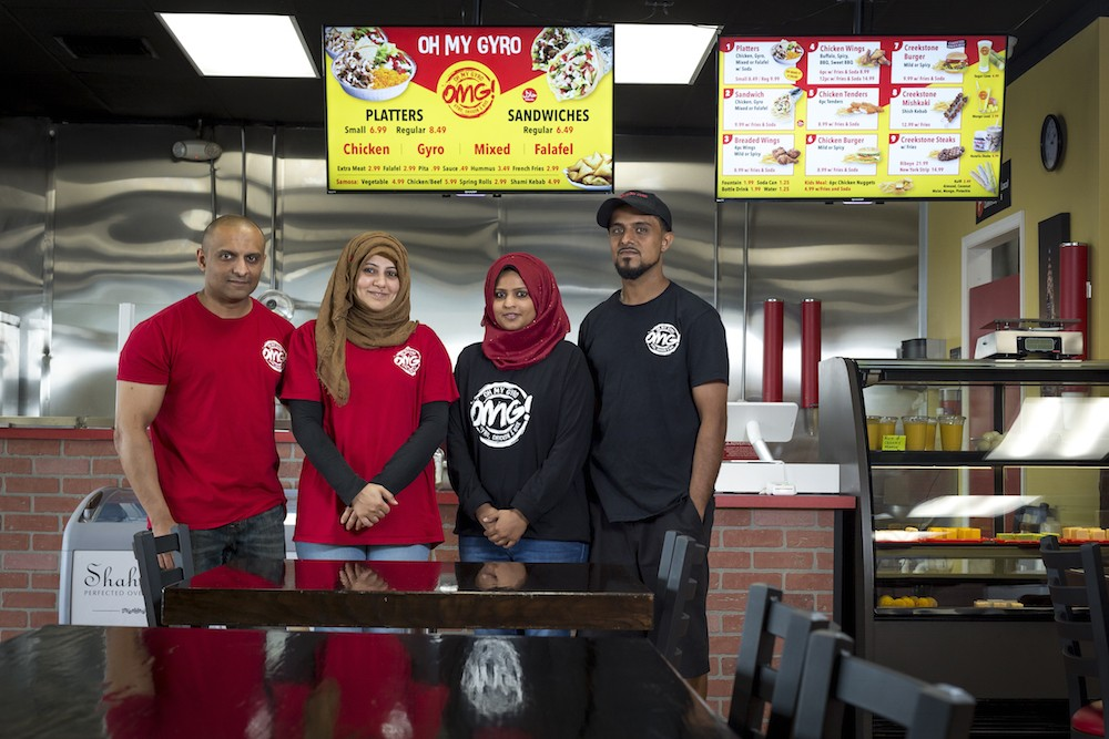 The Family Behind Oh My Gyro Couldn T Help But Let A Bit Of Their Indian Heritage Creep Onto Their Halal Menu Bite Orlando Orlando Weekly