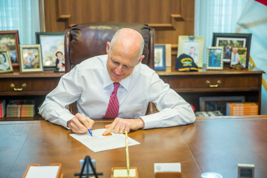 Gov. Rick Scott proclaims Knights as
